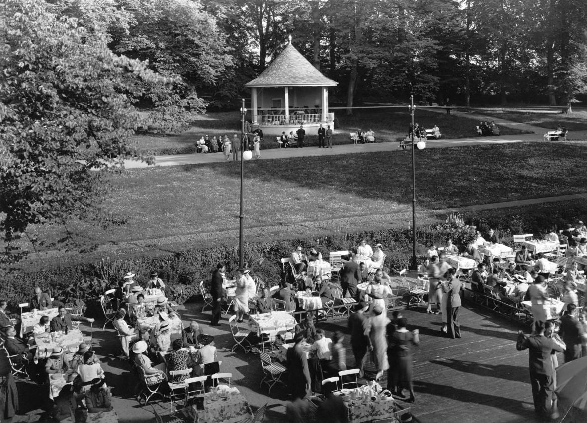 Kurhausterasse-1936